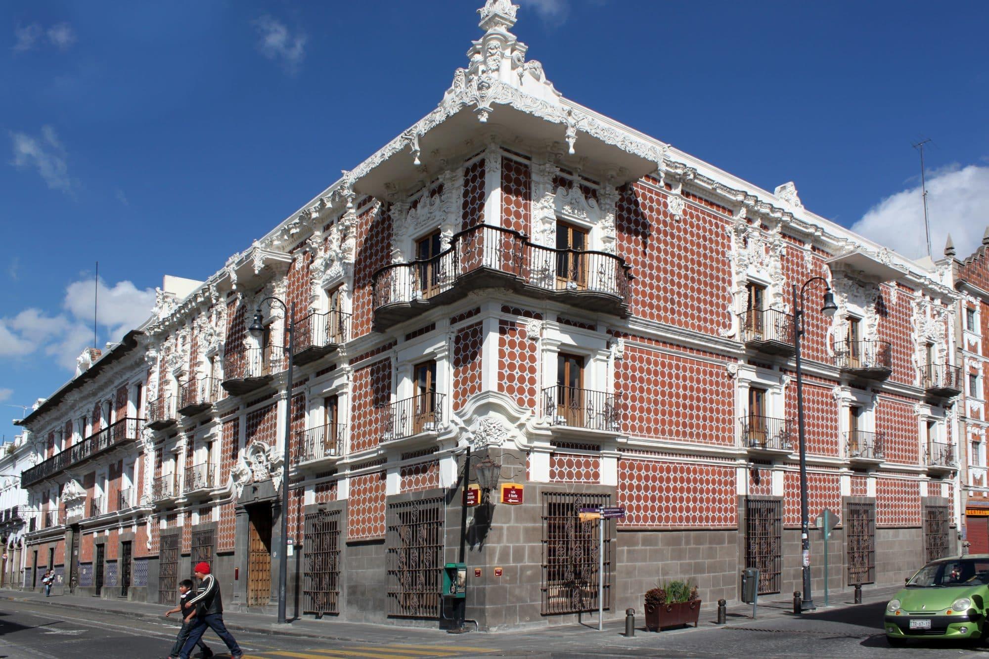 C noce la casa de alfe ique el primer museo de puebla for Casa de los azulejos puebla