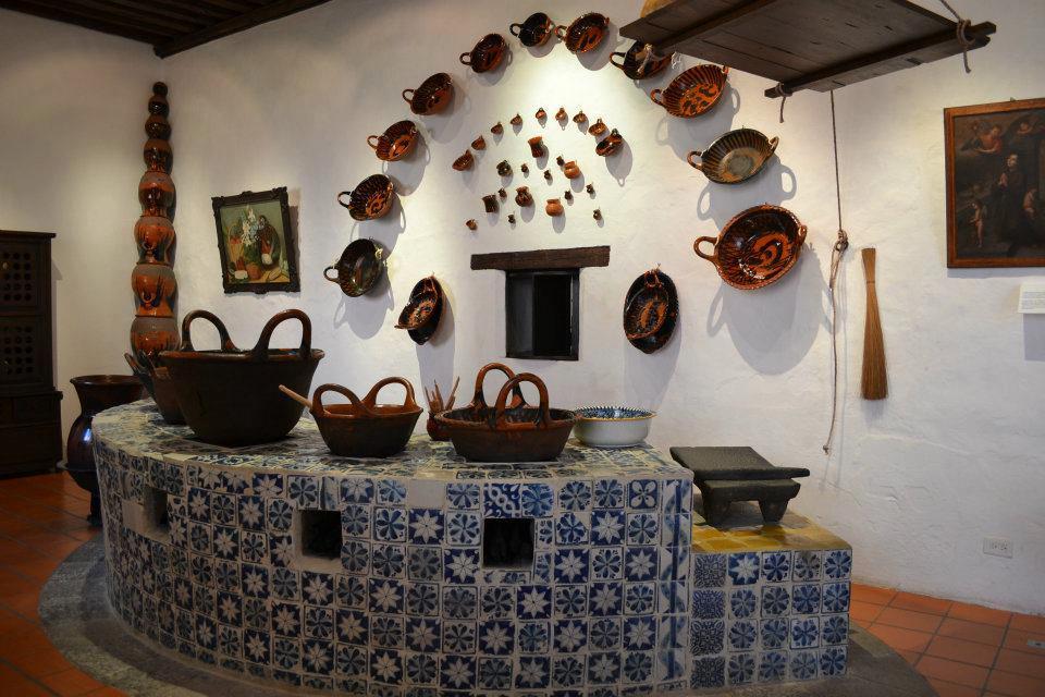 Museo de arte religioso ex convento de santa m nica for Objetos para cocinar