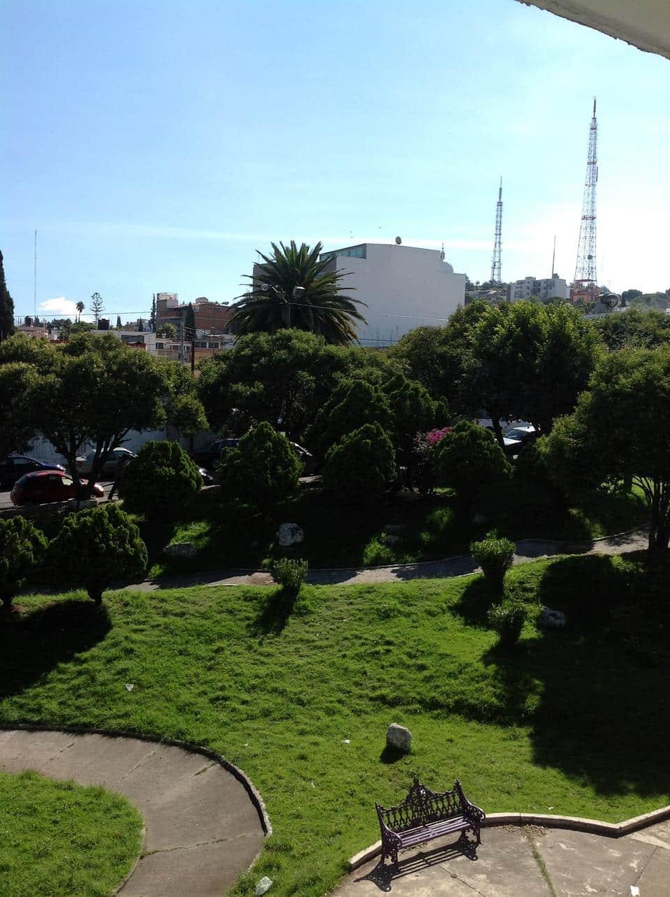 10 terrazas jardines y patios para disfrutar en puebla for Patios y terrazas
