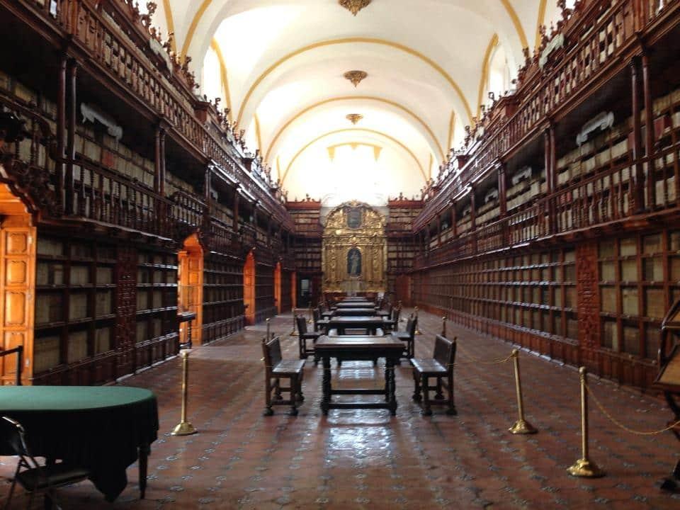 biblioteca-palafoxiana-puebla